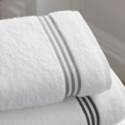bathroom-towels-12679.jpg